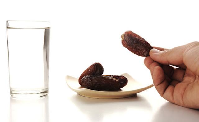 Kenapa Sih Buka Puasa Dianjurkan Makan Kurma? Ternyata Ini Faktanya!