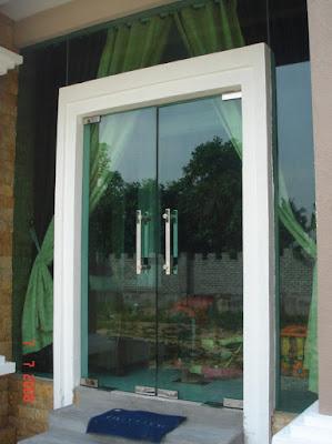 model pintu kaca minimalis modern terbaru