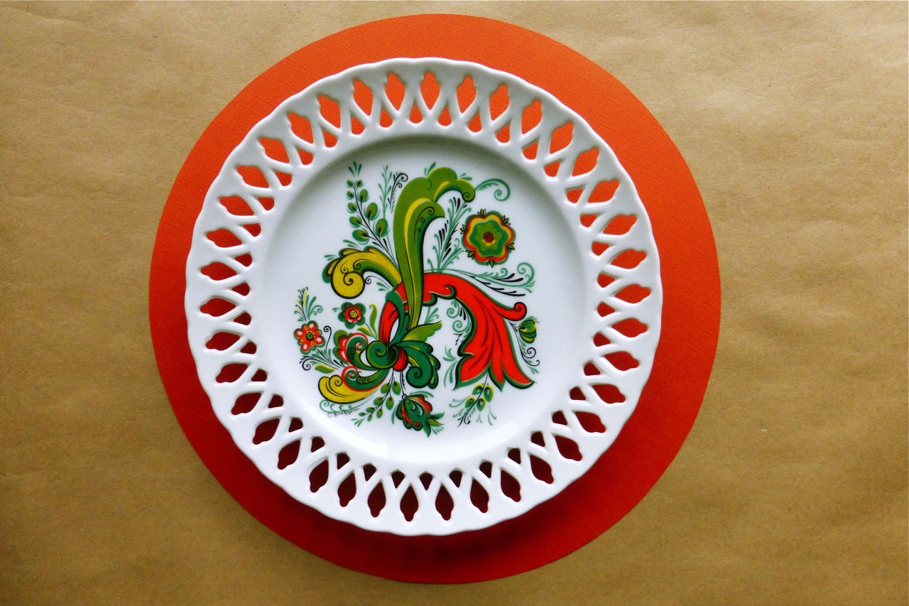 Berggren, Audrey Berggren, Berggren ceramics, vintage ceramic plate, vintage Berggren ceramic plate, decorative plate, vintage decorative plate, vintage Berggren decorative plate, vintage Berggren decorative ceramic plate