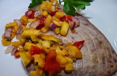 Tuńczyk z salsą z mango
