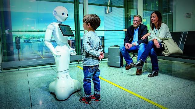 Lufthansa y el aeropuerto de Munich prueban un robot humanoide que dialoga con los pasajeros