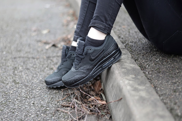 Sammi Jackson - All Black Nike Air Max 1