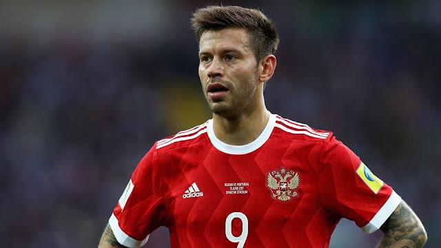 Fedor Smolov de Rusia en el partido Rusia Portugal de la Copa Confederaciones 2017