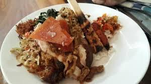 Kuliner Indonesia - Babi Guling Candra