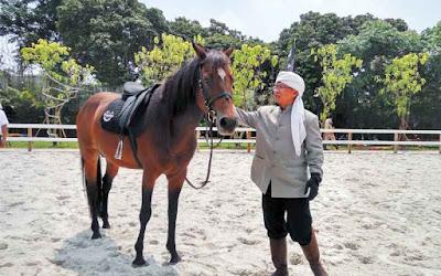 Foto Kuda dan Aa Gym