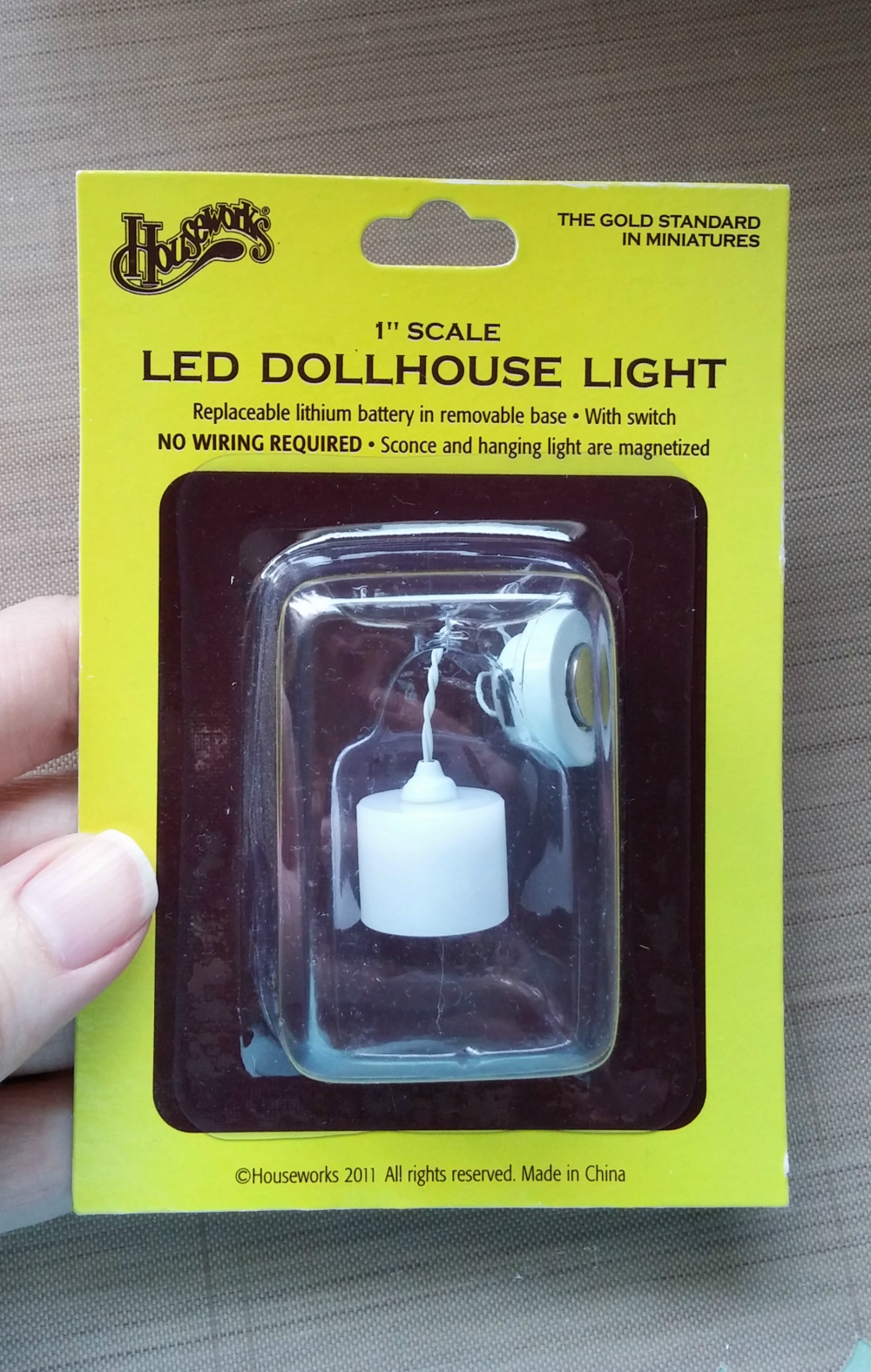 battery operated dollhouse light