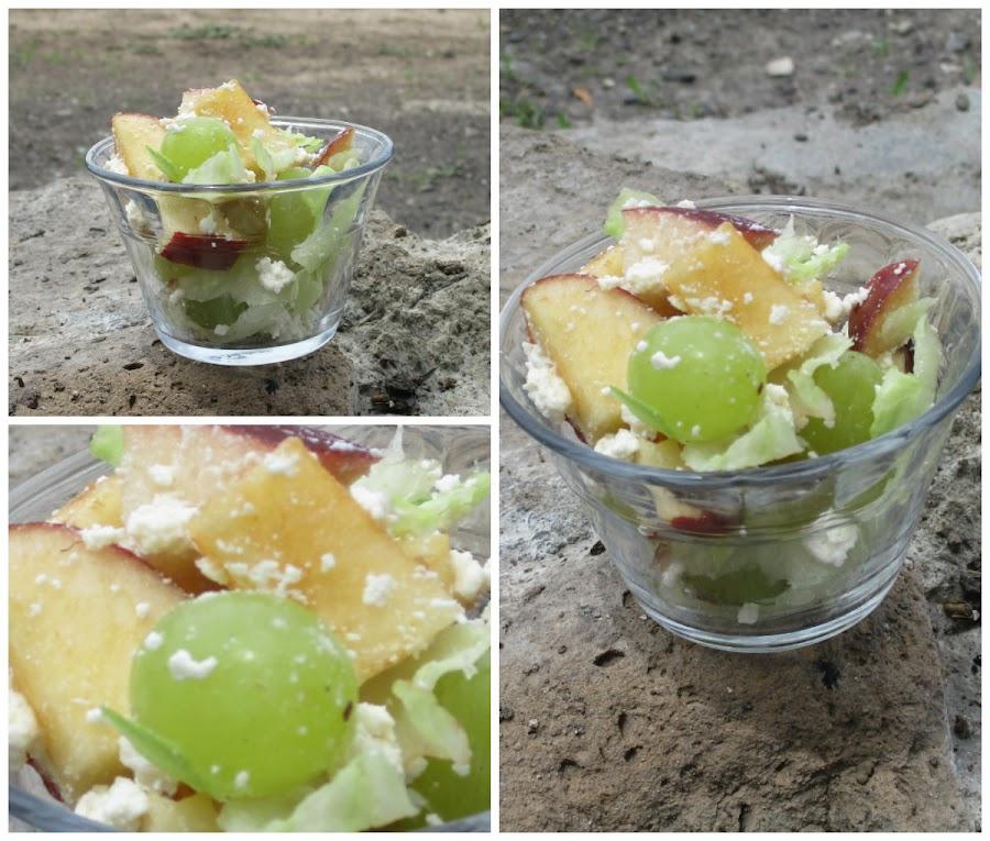 Ensalada de manazana y uva.