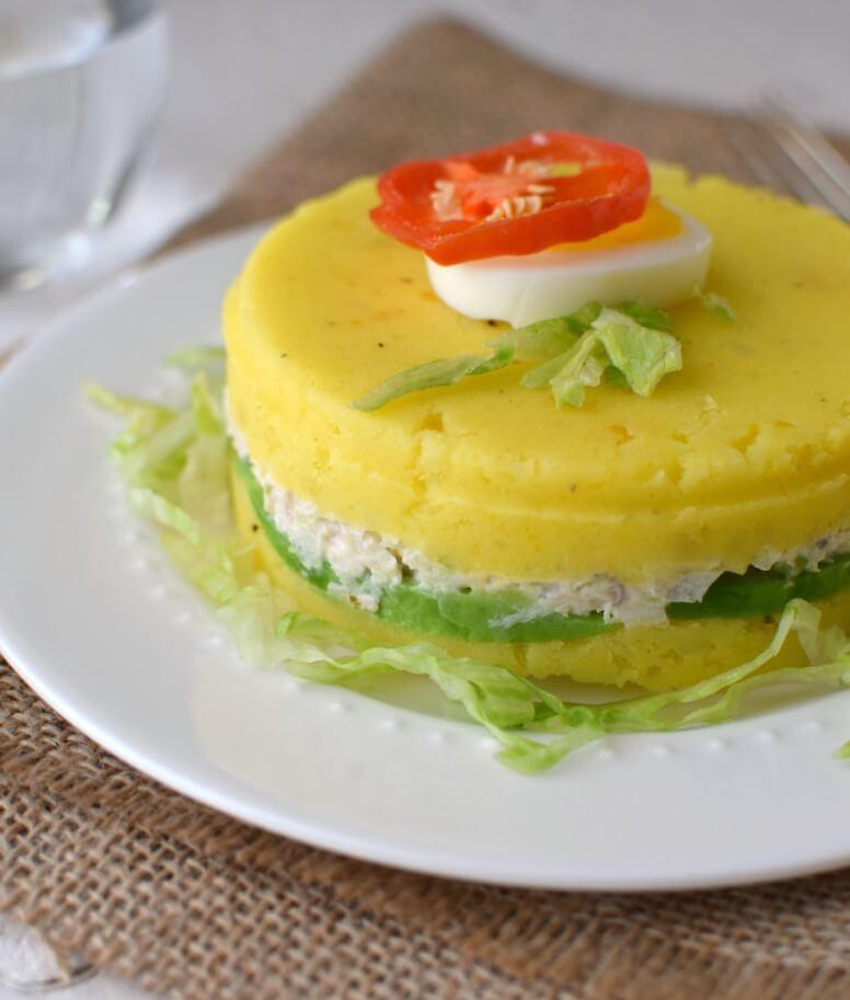 Causa limeña de pollo, un plato frío de la gastronomía peruana fácil de preparar