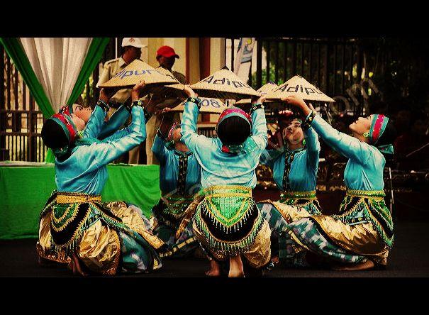 Tari Caping Ngancak Tarian Tradisional Dari Lamongan Jawa Timur Negeriku Indonesia