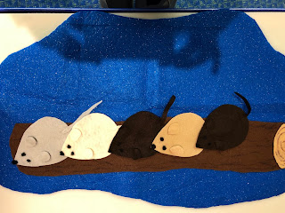 5 flannel mice on a flannel log