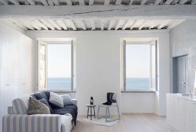 Dipingere casa con colori chiari