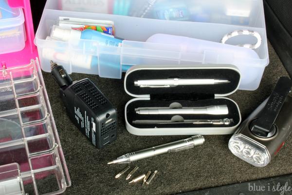 Organized Car Kit Tools Flashlights Chargers