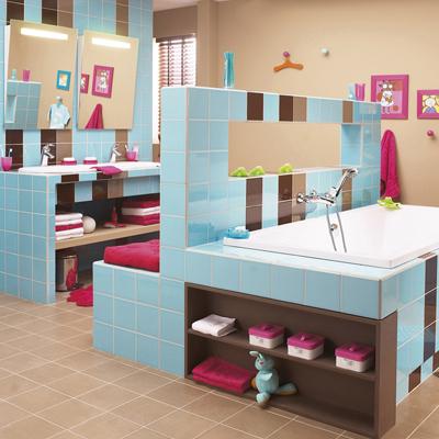 beautiful salle de bain rose et bleu pictures awesome interior home satellite. Black Bedroom Furniture Sets. Home Design Ideas