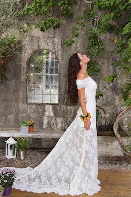 acconciatura sposa capelli sciolti mossi