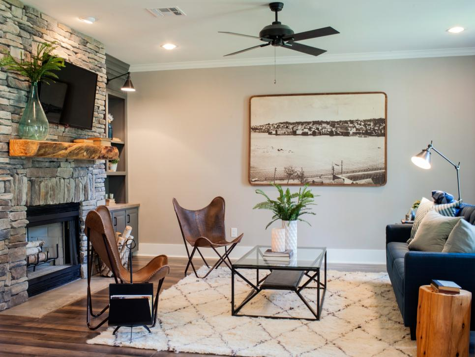 Mackenzie pages fixer upper on hgtv and how to get the look for Fixer upper living room designs