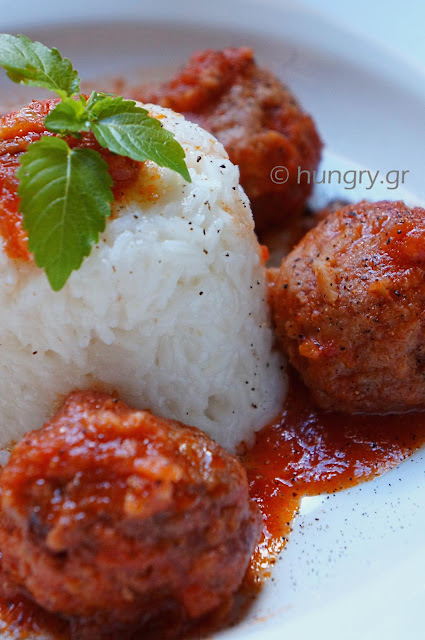 Meatballs in Red Wine Sauce