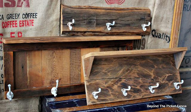 reclaimed wood, rustic decor, coat hooks, cabin decor, barnwood, http://bec4-beyondthepicketfence.blogspot.com/2016/03/rustic-style-coat-hooks.html