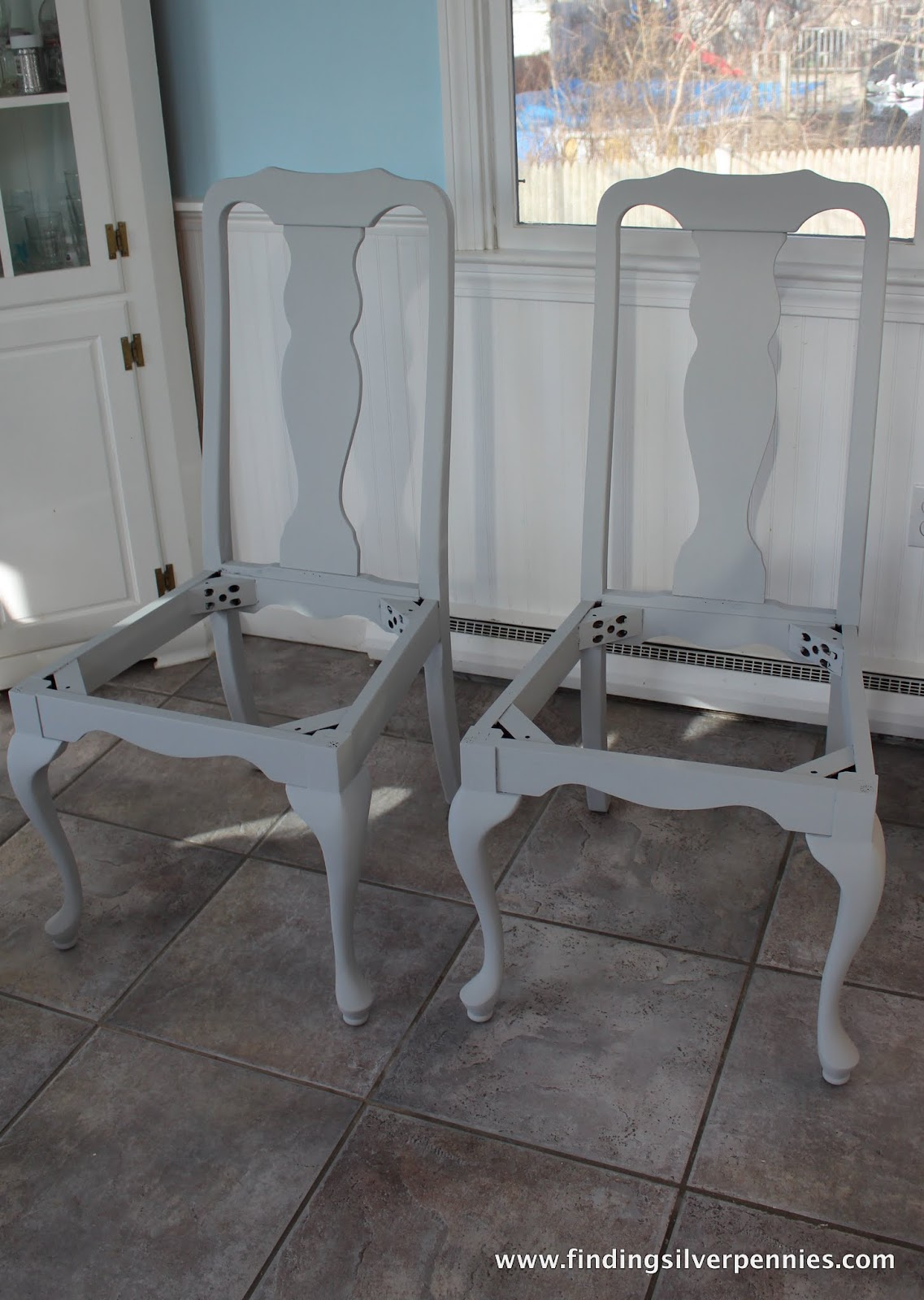 painted queen anne sofa table e poltronas para sala dining with before after finding silver pennies chairs in progress