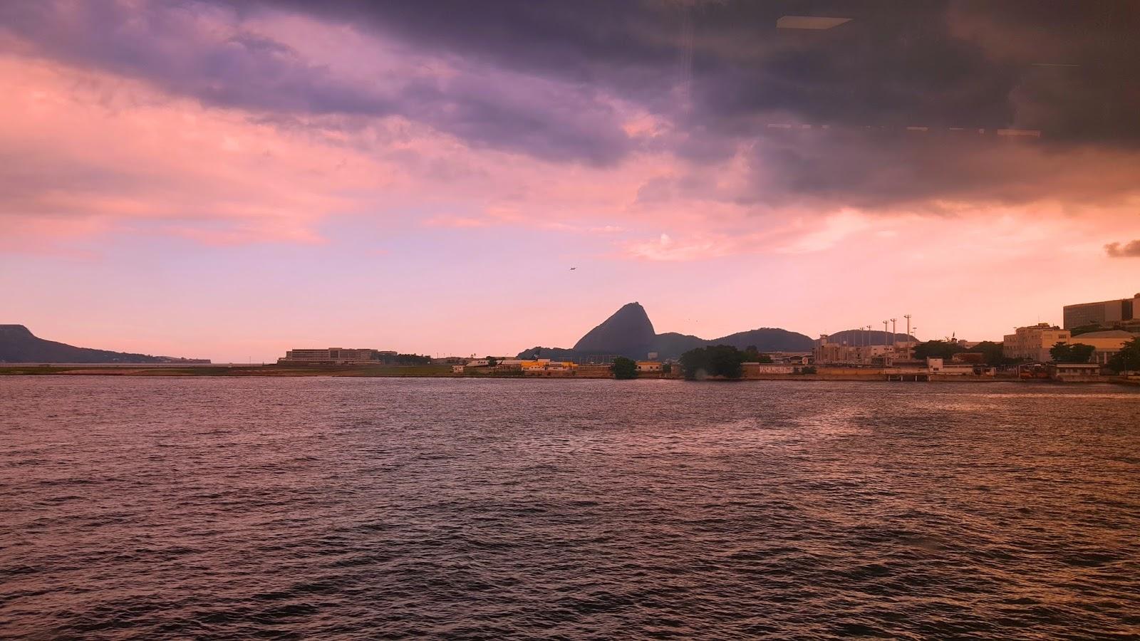 pao-de-acucar-visto-da-barca-Rio-Niteroi