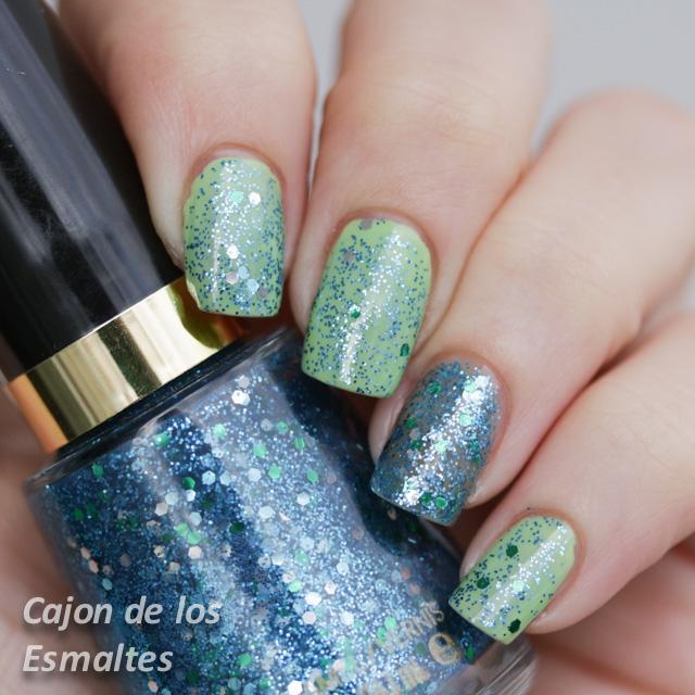Esmalte de uñas Revlon - Radiant o Blue Mosaic
