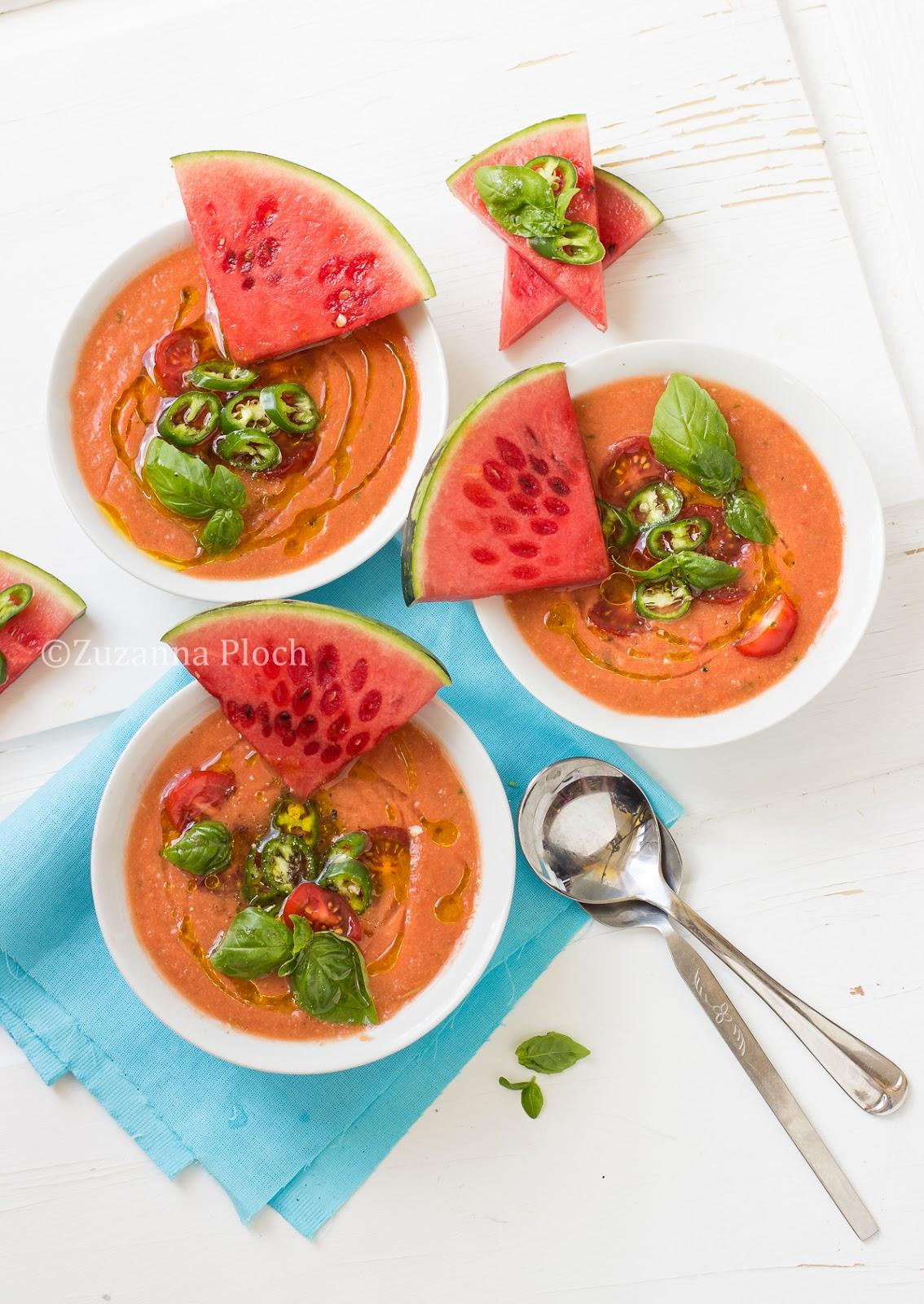Watermelon gazpacho - Food photography by Zuzanna Ploch, fotografia kulinarna