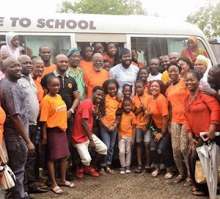 Desmond Elliot free bus