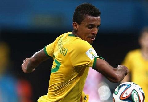 Luiz Gustavo là cầu thủ có nhiều tài năng
