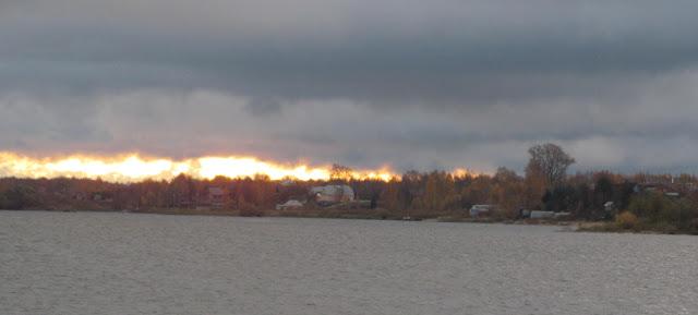 осенний восход солнца