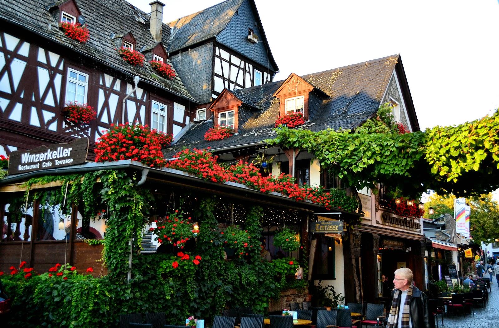 Winzerkeller Café along the Oberstraße in Rüdesheim.