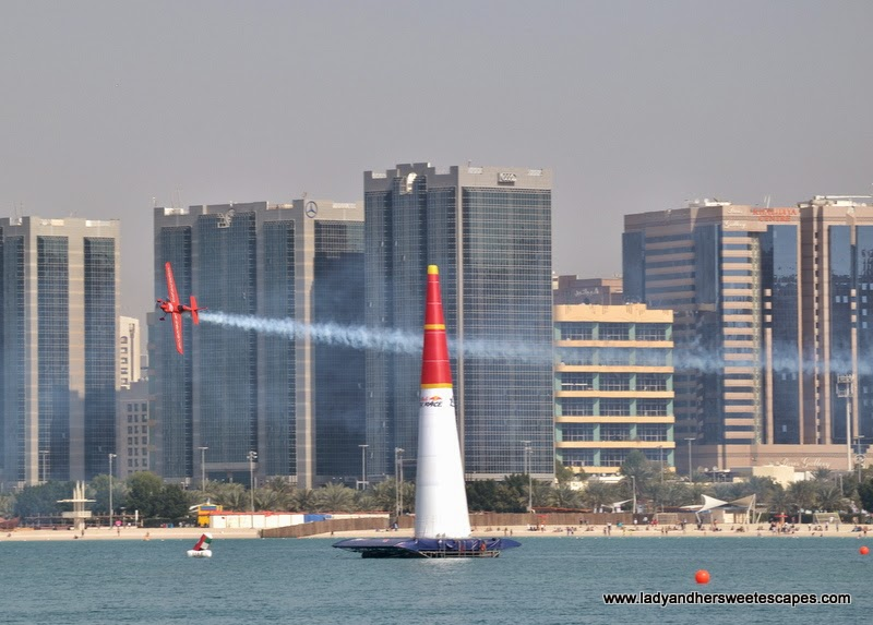 Red Bull Air Race in Abu Dhabi Corniche 4