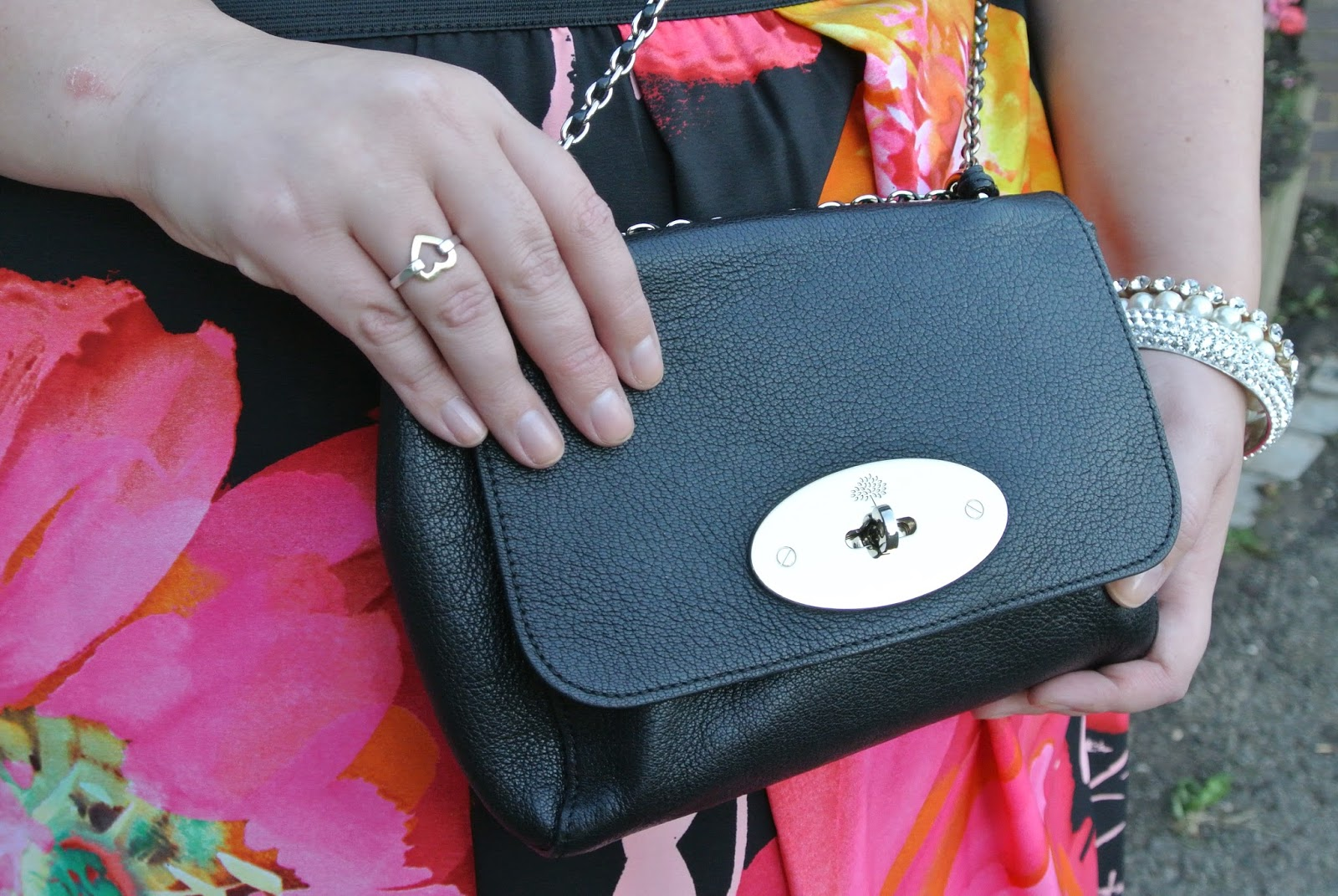 Mulberry Lily Black