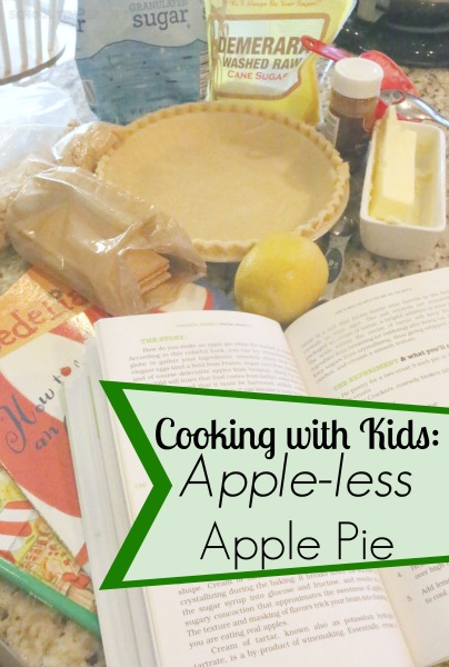 Fun and easy kitchen science experiment for the kids! Read, How to Make an Apple Pie and See the World, then make an apple-less apple pie!