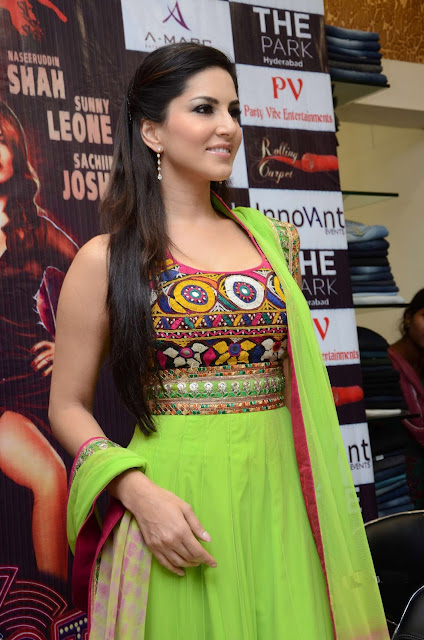 Sunny Leone Hot Cleavage in Deep Neck Parrot Green Anarkali Suit