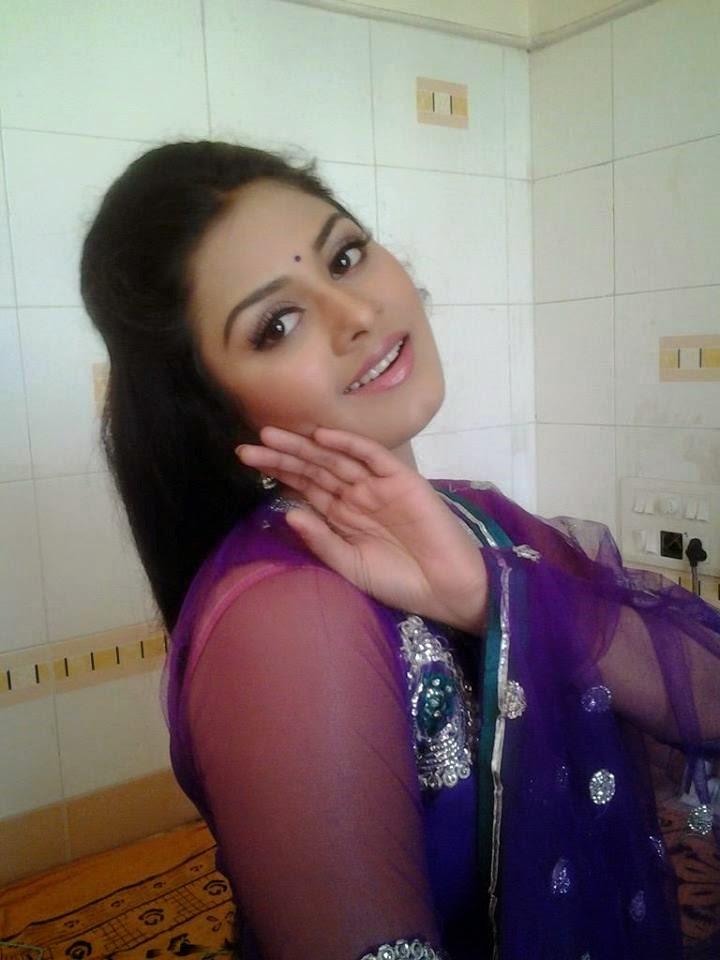Tanushree Chatterjee Hot Photos - Tanushree Pictures -6279