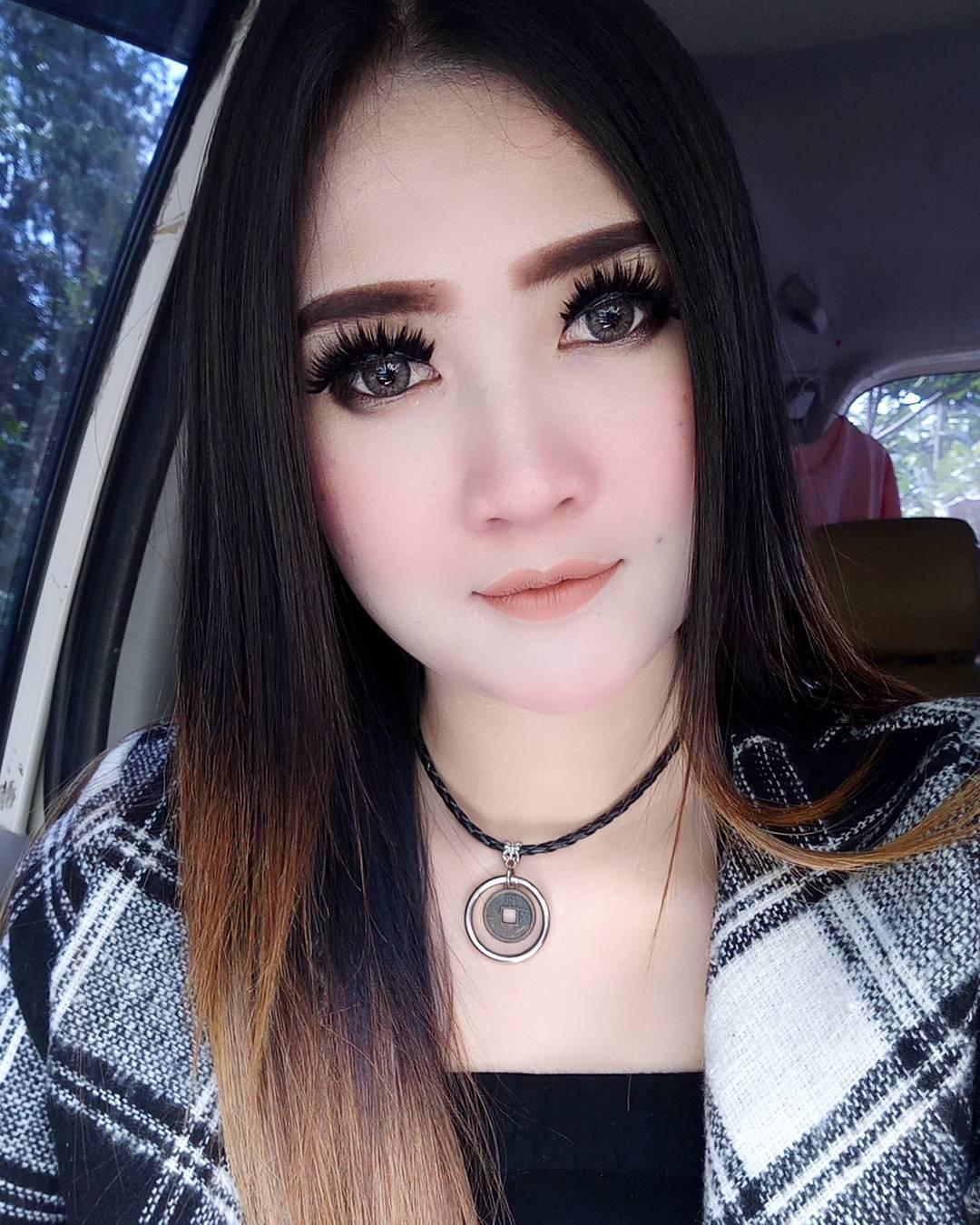 biodata foto terbaru nella kharisma artis dangdut koplo