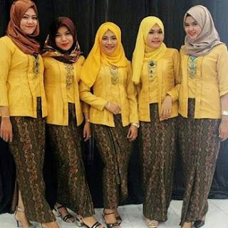 Kebaya remaja model kutu baru motif batik
