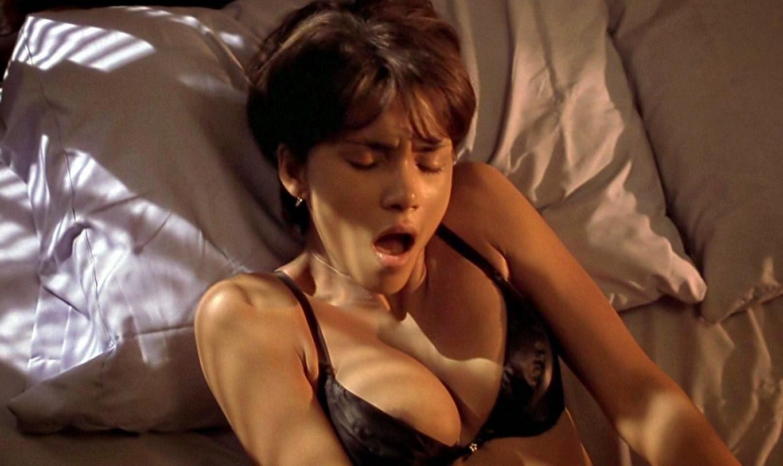 Halle Berry Lesbian Kiss 79