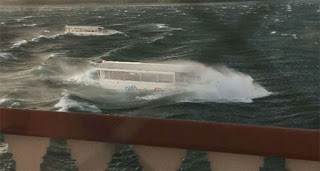 tourist boat sinks in US