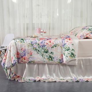4 Pieces Flower Garden Silk Bedding Set