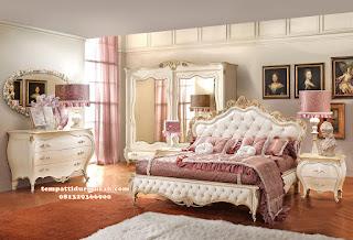kamar tidur utama klasik ukir