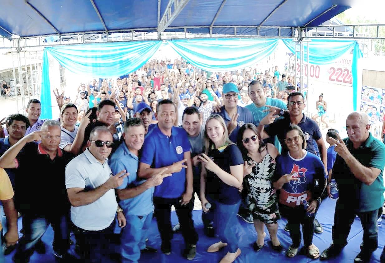 4e8ab77654 Detinha cumpre agenda no litoral e em Cândido Mendes tem um grande ...