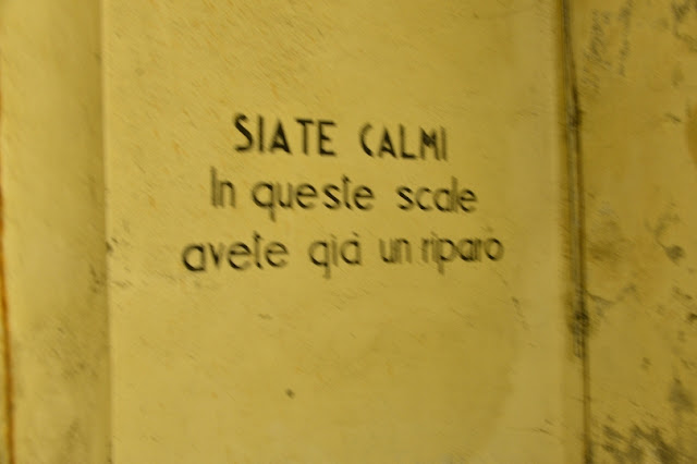 SCRITTA-STATE-CALMI-RIFUGI-ANTIAEREI-CAMPO-TIZZORO
