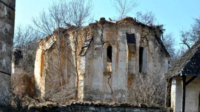 Неизвестные фрески Джотто найдены на родине Дракулы 4