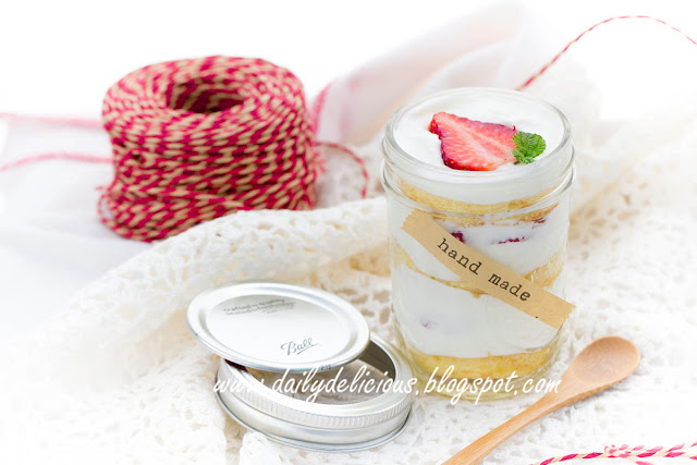 Dailydelicious Strawberry Shortcake In A Jar