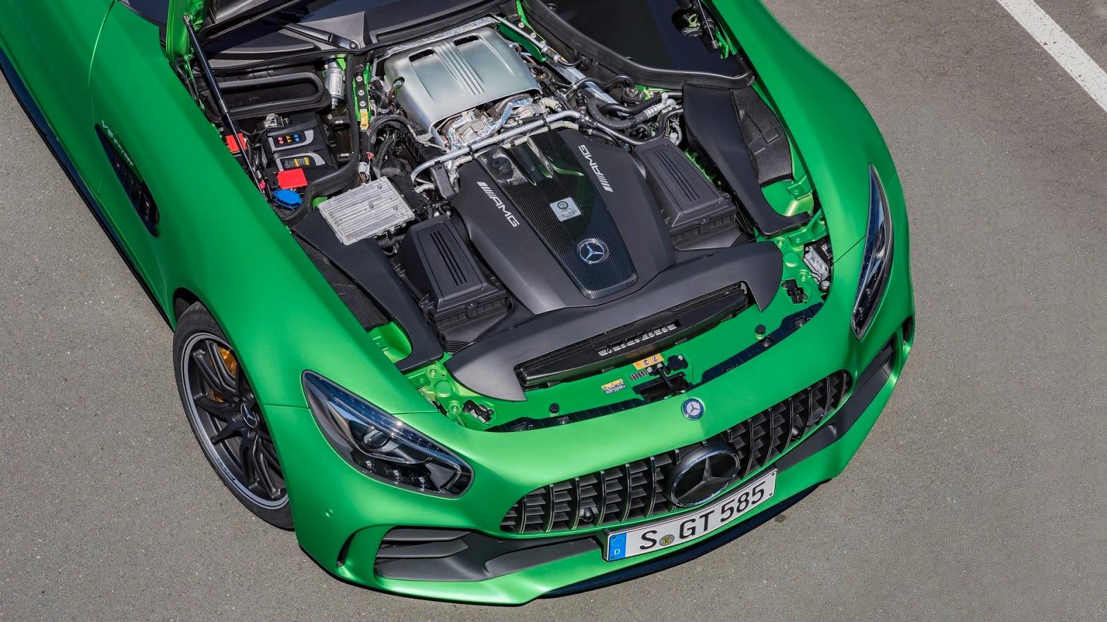 Mercedes-AMGGT-R-18