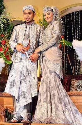 Kebaya Pernikahan Modern Simple Muslim