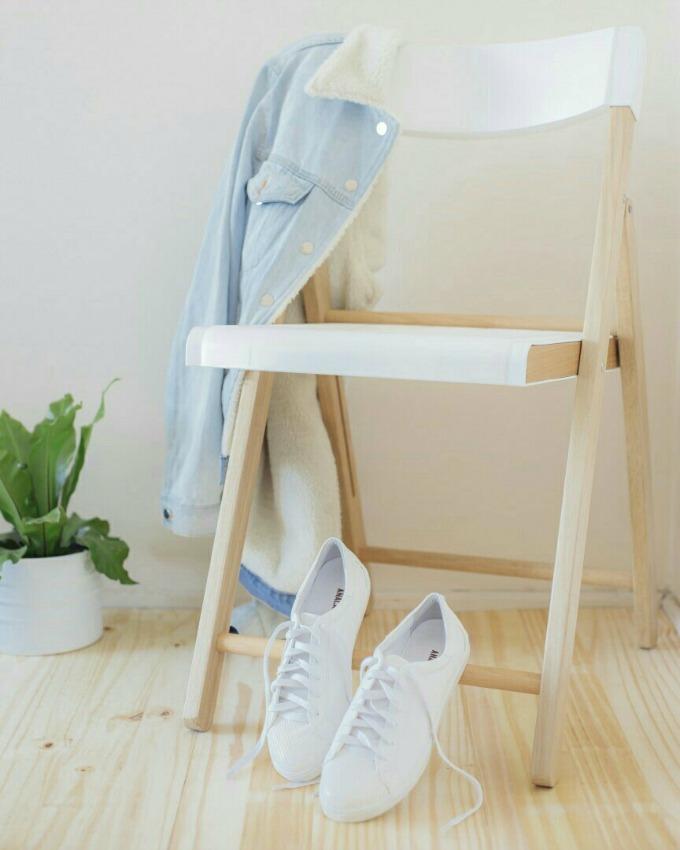 Como limpar tênis branco de couro