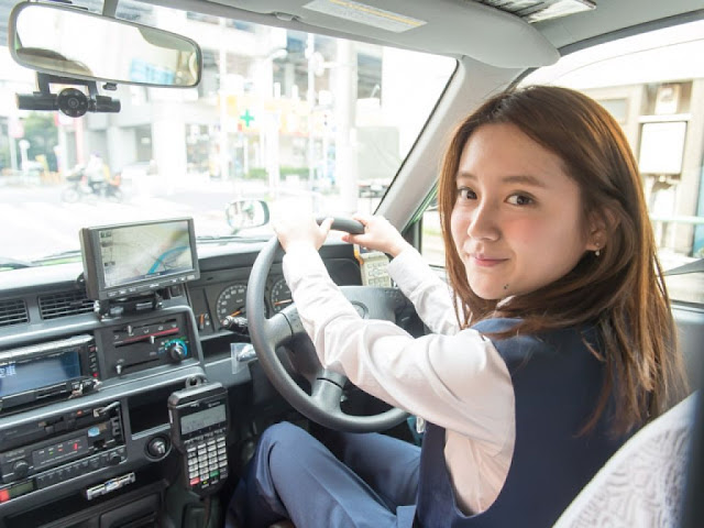運転手を抱える  雇用司機  (雖然你可能很想,但絕對不是「抱」司機喔!)