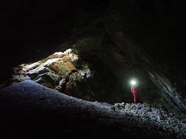 Εντυπωσιακό σπήλαιο στη Τσιρίστρα Αργολίδας