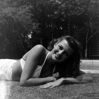 http://thevintagious.tumblr.com/post/170179558516/theritahaywortharchive-rita-hayworth-photographed